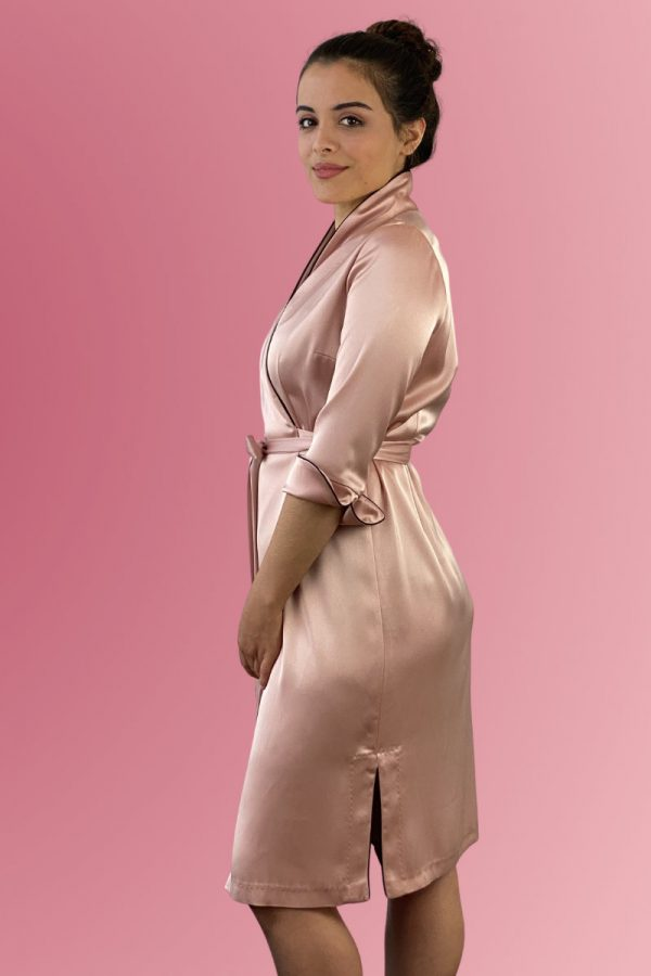 Luxurious dressing gown made of silky material in rosé